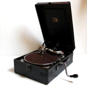 HMV Model 102 Gramophone, Casey Clock Restoration